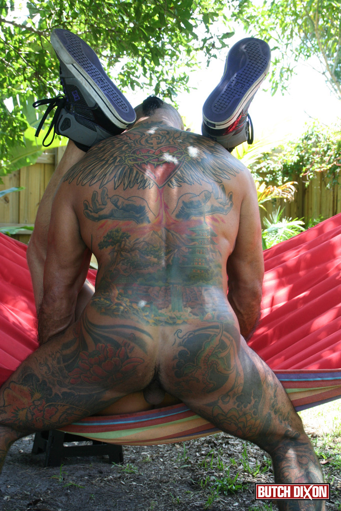 Butch-Dixon-Bo-Bangor-and-Drake-Jaden-Barebacking-Daddy-Muscle-Tatted-Stud-Amateur-Gay-Porn-18 Tatted Muscle Daddy Fucks His Younger New Neighbor Outside